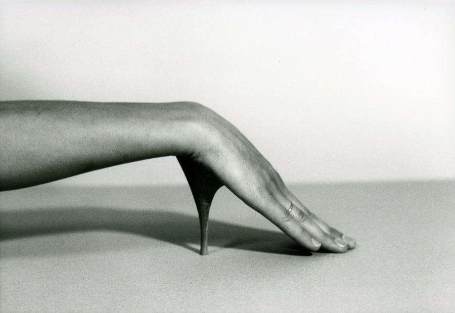 Birgit Jürgenssen Ohne Titel (Improvisation)/ Untitled (Improvisation) 1976 b/w photograph cm 12,  7 x 17,  8