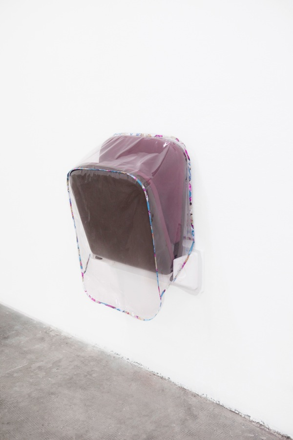 Magali Reus Parking (Fiji) 2013 polyester resin, pvc, cotton, pigment, Foto Cristina Gavello, Courtesy CO2, Torino