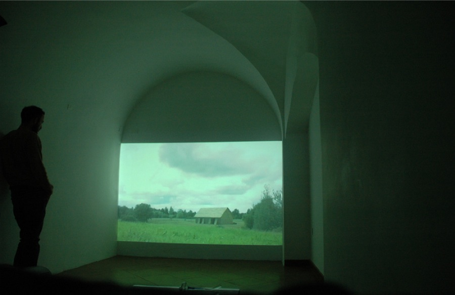 Krišs Salmanis - Steve Roden Long Day,   2012 audio-video installazione.