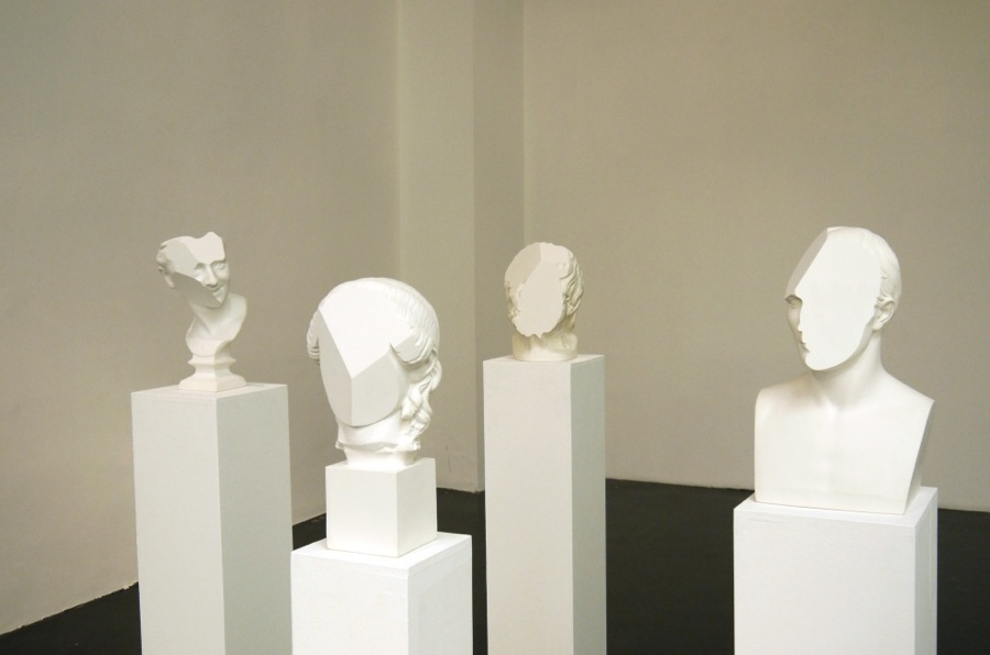 T-yong Chung,   Odyssey in Italy,   installation view,   modified classic plaster busts,   2014. Courtesy Otto Zoo