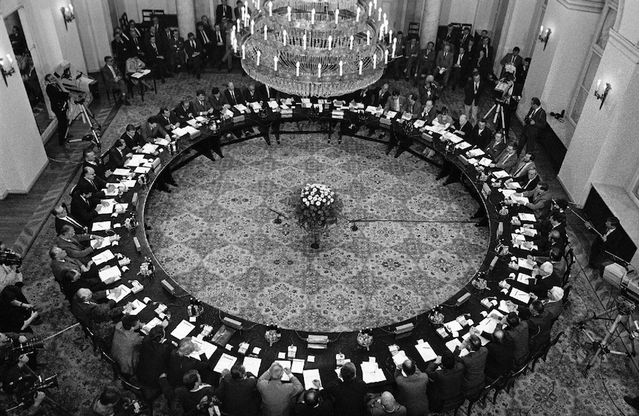 Polish Round Table Talks in Warsaw,   Poland,   on February 6,   1989. ©