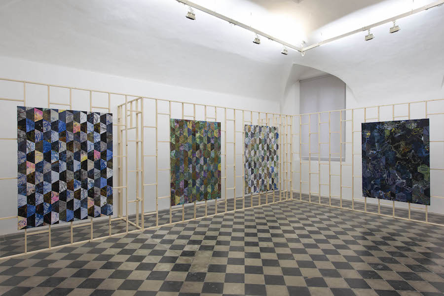 Jonathan VanDyke, L blue N black I green M orange K violet - Installation view -  Courtesy 1:9 Gallery, Roma - Photos by Giorgio Benni