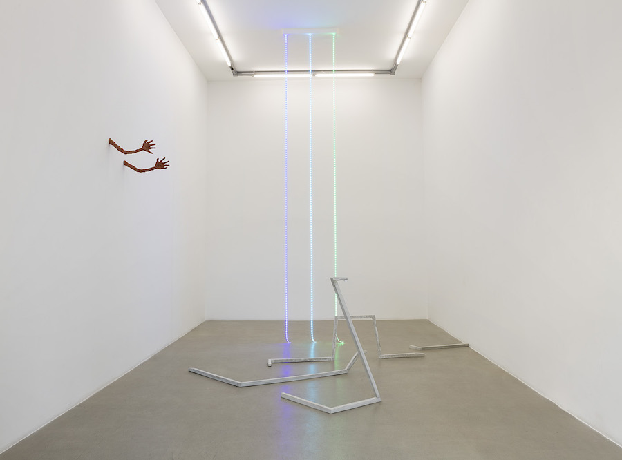 Judith Hopf,   !Hear Rings!,   installation view,   kaufmann repetto,   Milano,   2015 - courtesy of the artist and kaufmann repetto,   Milano:New York photo credit Andrea Rossetti