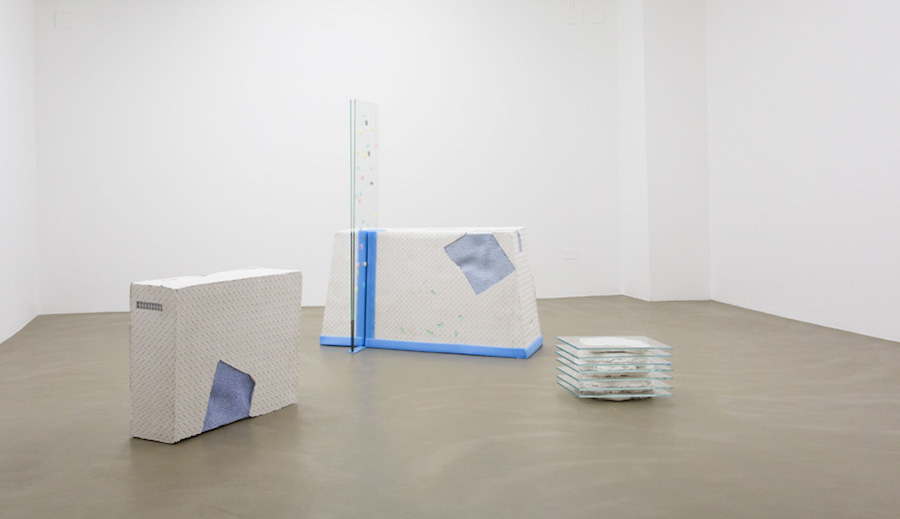 Vera Kox,   Fit Frame to Content,   2016,   installation view - Ribot Gallery Milan