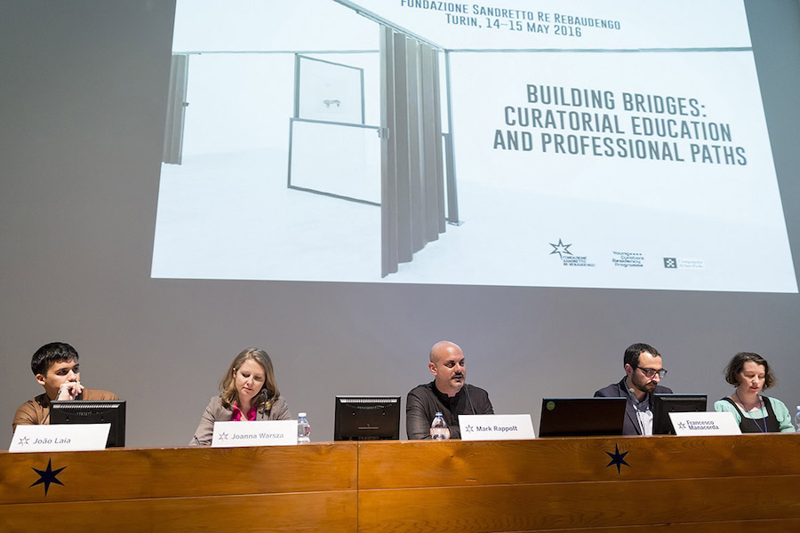 Building Bridges: Curatorial Education and Professional Paths,   da sinistra Joao Laia,   Joanna Warsza,   Mark Rappolt,   Francesco Manacorda,   Kate Strain,   foto: Edoardo Piva
