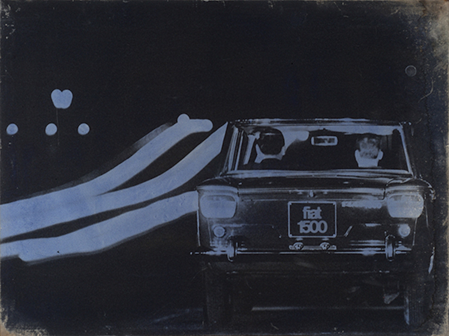 Mimmo Rotella Il traffico,   1965 Riporto fotografico su tela / Photographic reproduction on canvas 93,  5 x 124,  6 cm / 36.81 x 49.06 in. © Fondazione Mimmo Rotella Photo: Alessandro Zambianchi,   Simply.it srl,   Milano