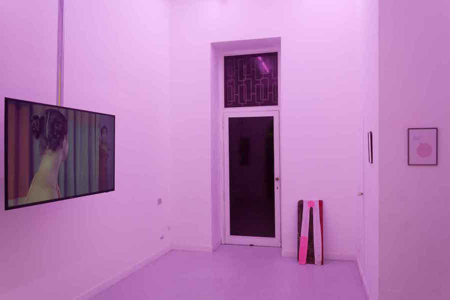 Georgina Starr,   The Lesson,   Pinksummer Goes to Rome,   Rome  - Installation view - Courtesy Pinksummer,   Genova