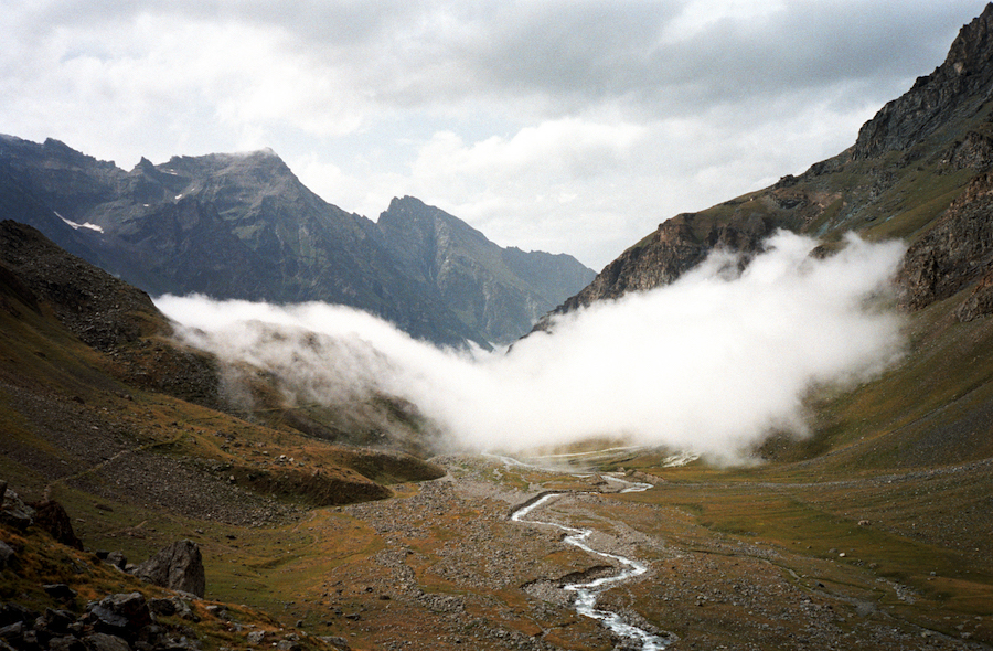 Armin Linke,   Moving cloud Aosta Italy 2000