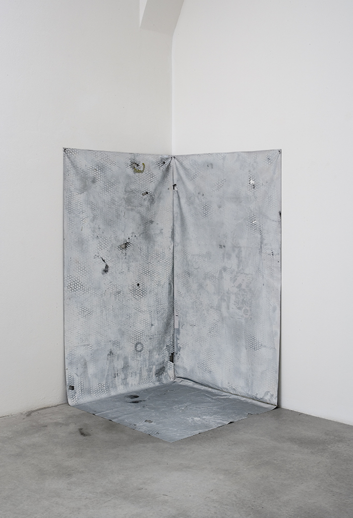 Piotr Łakomy, Untitled (closed), 2015, mixed media on reflective fabric, velcro, cm 183 x 108 x 108, variable dimensions -  SpazioA, Pistoia