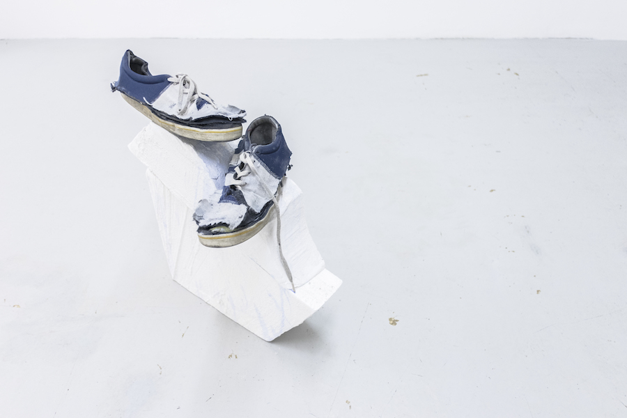 Summer on a solitary beach, Gabriel Stöckli, shoes, polistyrene, watercolours, coat, 2017