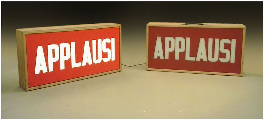 Gianni Pettena Applausi, 1968 Valigia light box (vintage) Courtesy of the artist
