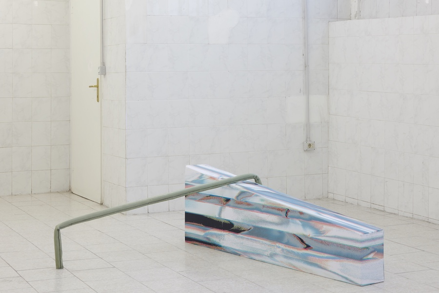 Sara Enrico, a terre, en l'air, installation view - courtesy Tile Project Space - Photo credits Floriana Giacinti