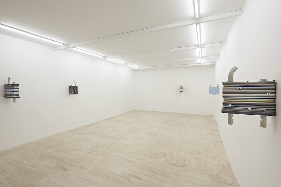 Magali Reus, installation view – Courtesy Fondazione Memmo, Rome – Photo by Daniele Molajoli.