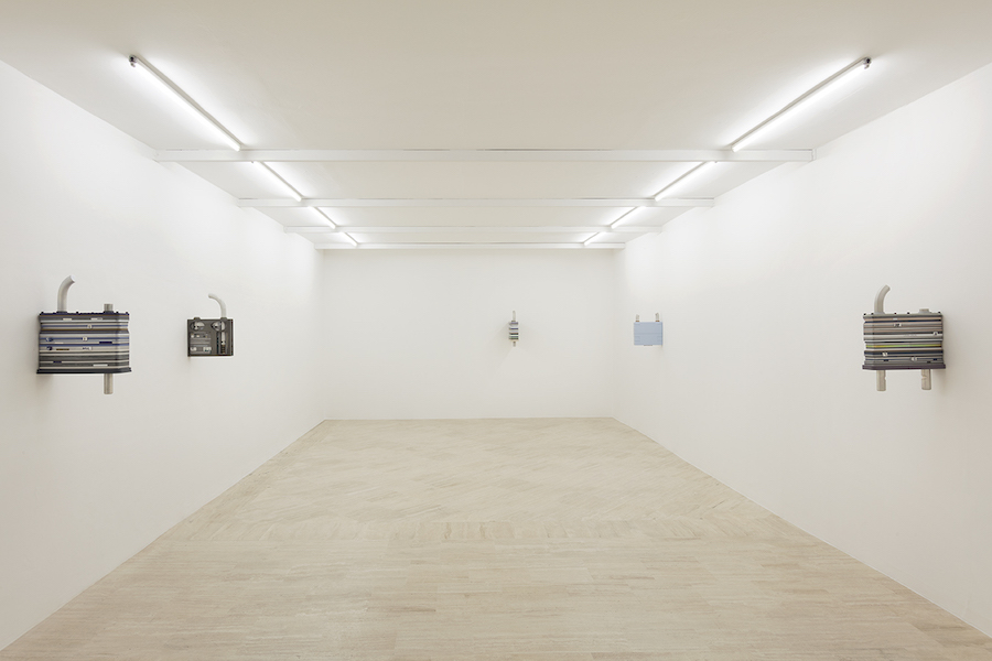 Magali Reus, installation view – Courtesy Fondazione Memmo, Rome – Photo by Daniele Molajoli