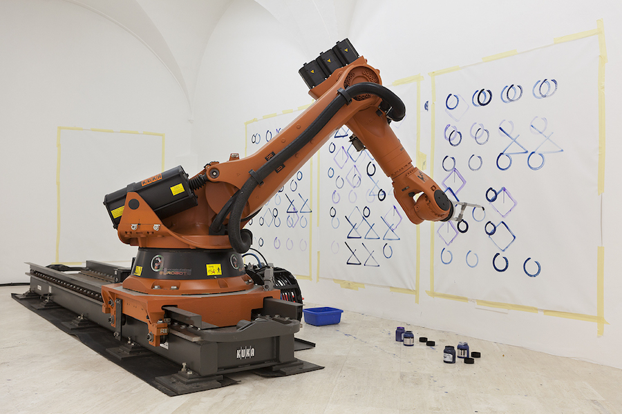 Piero Golia, The painter, 2016, Motion control robot, paint, canvas - Courtesy Fondazione Memmo, Rome - Photo by Daniele Molajoli