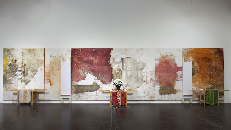 Hermann nitsch o m t colore dal rito atp diary for Casa moderna immobiliare foligno