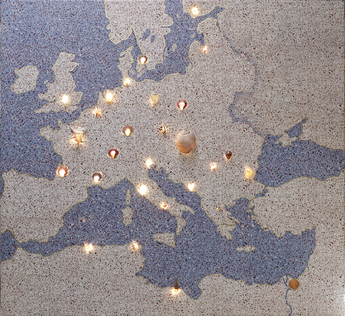 Lucy McKenzie, Map with shells Oil and gold leaf on canvas stretched on wood, shells, lights 2017 All photos by: Kristien Daems Courtesy of the artist