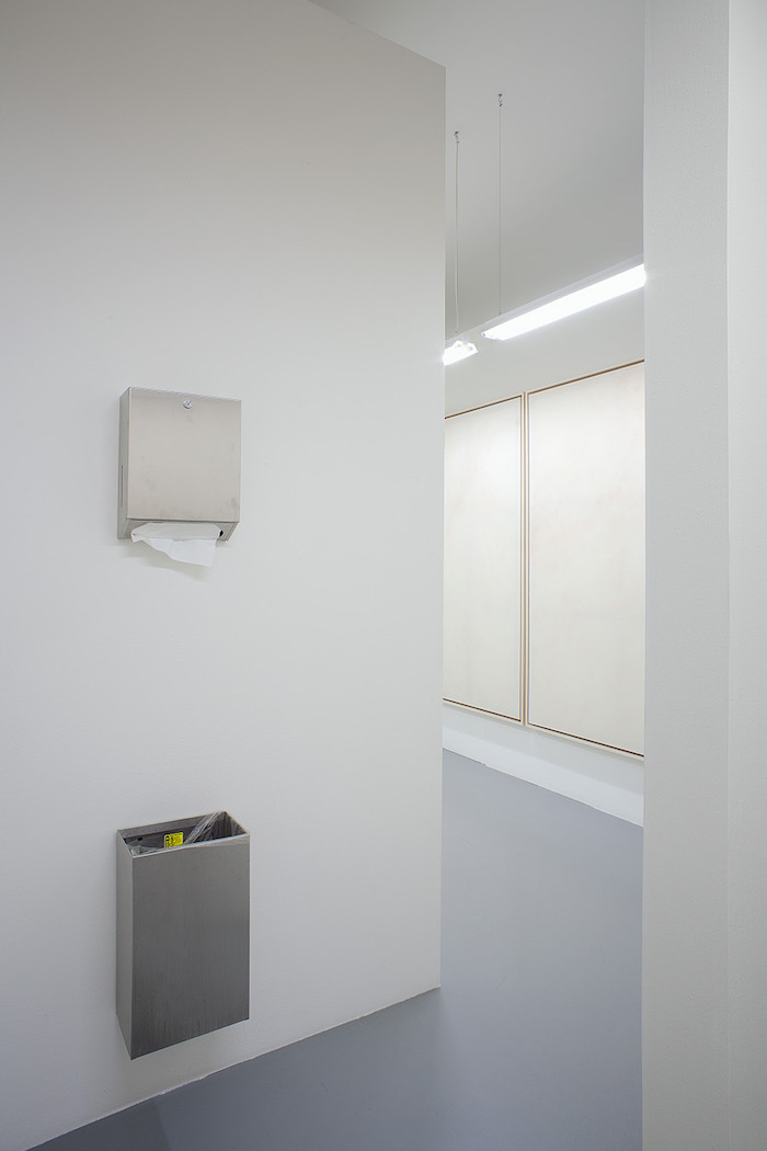 Simon Fujiwara, 30.05. – 30.09.2017 - Installation view - Giò Marconi, Milan photo Filippo Armellin - Courtesy the artist, Giò Marconi, Milan
