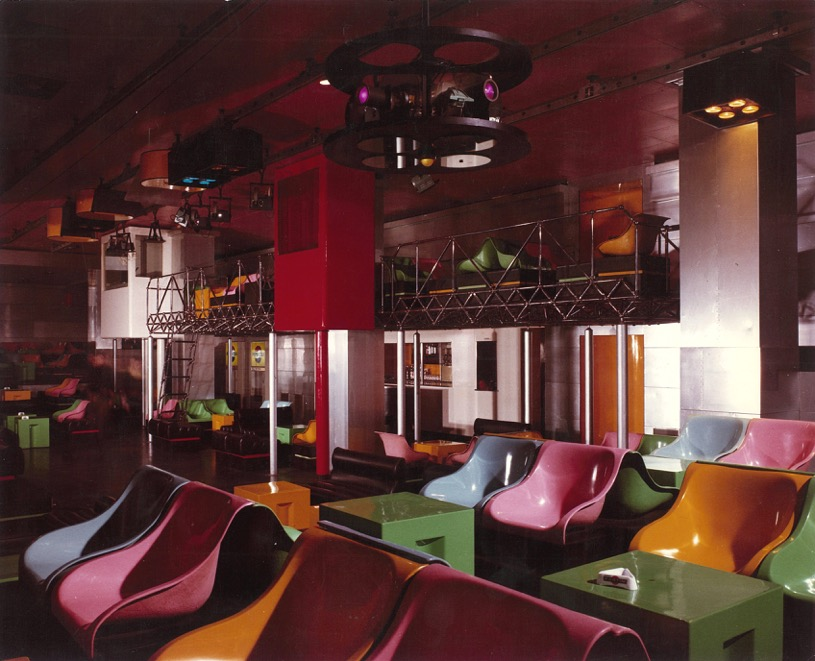 Piper Club Torino. View of the mezzanine and projection booths. Courtesy Archivio Piero Derossi