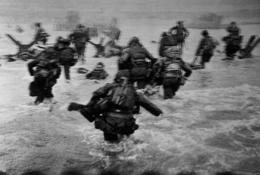 Robert Capa, US troops assault Omaha Beach during the D day landings, normandy, france, june 6 - courtesy Magnum Photos 2