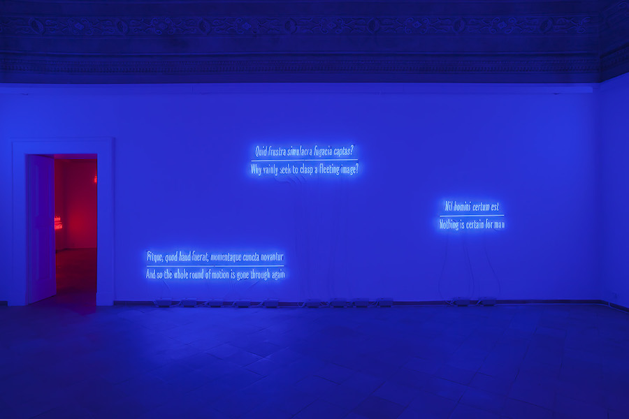Joseph Kosuth - Maxima Proposito (Ovidio) 2017 - Villa Serena, Città Sant'Angelo - Courtesy the artist and Vistamare. Photo Filippo Armellin