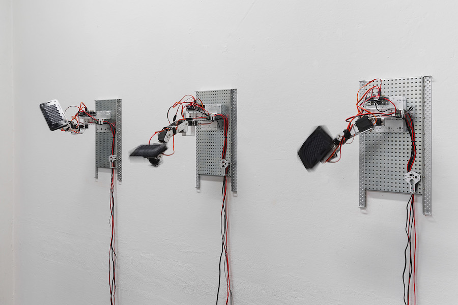 Emilio Vavarella - Do You Like Cyber, 2017, Installation view - Gallleriapiù, Bologna