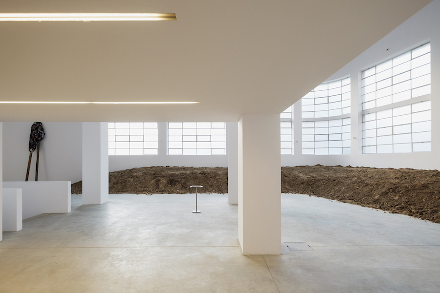 Fatma Bucak, So as to find the strength to see, exhibition view – Fondazione Merz, Torino - Photo Andrea Guermani