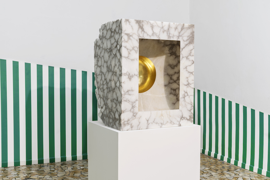 Untitled 2016 alabaster 100 x 79 x 67 cm – 4  handed work by Daniel Buren & Anish Kapoor -  Courtesy the artist and GALLERIA CONTINUA, San Gimignano / Beijing / Les Moulins / Habana  Photo Ela Bialkowska, OKNO Studio