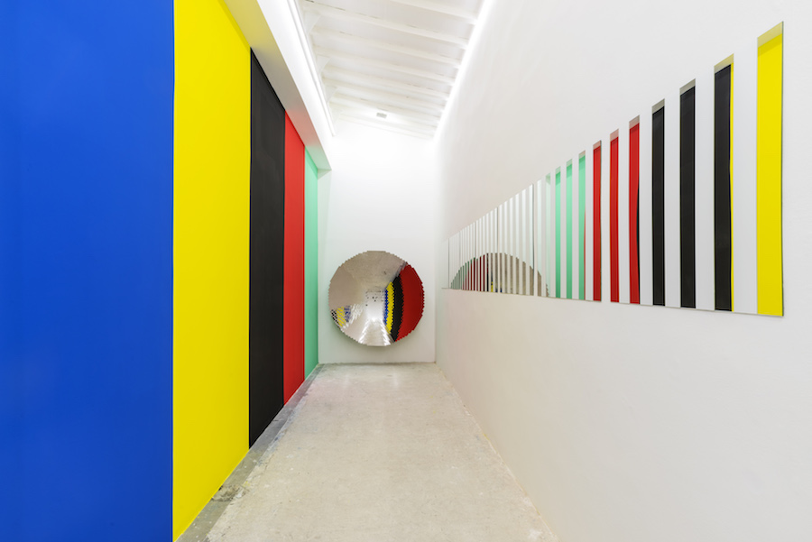 Daniel Buren & Anish Kapoor, Courtesy the artist and GALLERIA CONTINUA, San Gimignano / Beijing / Les Moulins / Habana Photo Ela Bialkowska, OKNO Studio