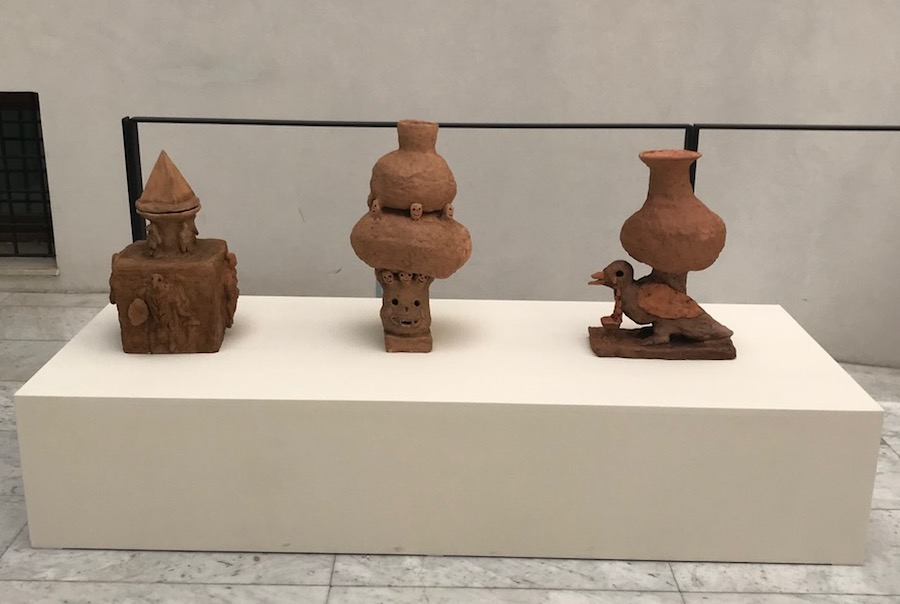Evgeny Antufiev - Installation view in agora , ceramic, 2017 - Museo Archeologico Salinas 2018 - Photo Evgeny Antufiev