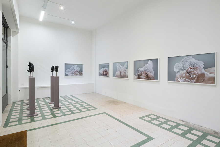 Michael Fliri, AniManiMism - Installation view - Courtesy dell'artista e Galleria Raffaella Cortese, Milano - Photocredit Lorenzo Palmieri