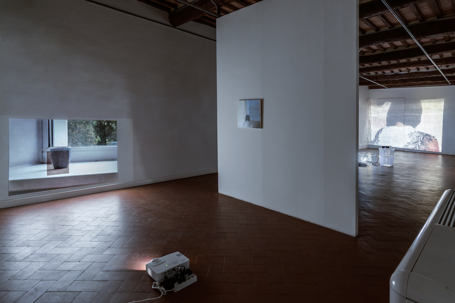 Lee Kit, Linger on, your lit-up shade, Casa Masaccio Centro per l'Arte Contemporanea. Exhibition view. Ph OKNOstudio.