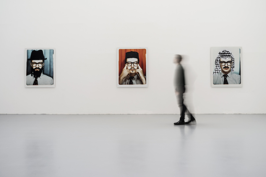Mark Wallinger , Passport Control, 1988 6 C-prints mounted on aluminium, 132 x 101.6 cm / 52 x 40 inches each, 6 parts Ph. OKNOstudio