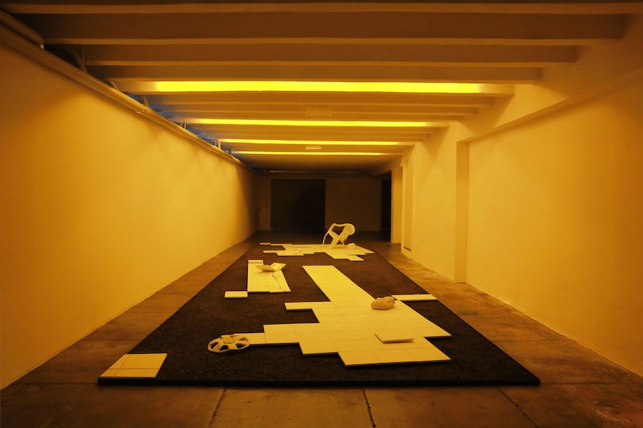 Andrea De Stefani, Capriccio 2000, Plaster, gravel, iron Soundscape in collabo-ration with Floriano Campi - Installation view at Marsèlleria