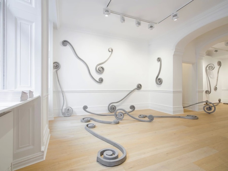 Eliseo Mattiacci, Roma - Installation view at Richard Saltoun Gallery, London 2018