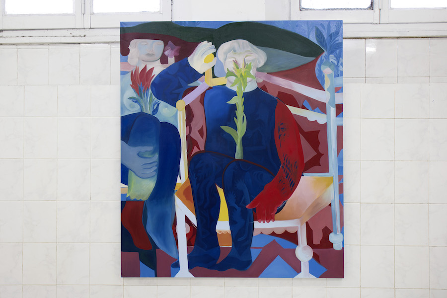 Alice Visentin, Donna con giglio (2018) oil on canvas 130x150 cm. Courtesy Tile project space and the artist