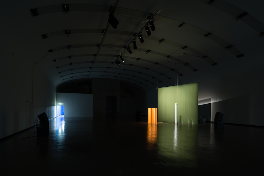 Florian Hecker, Resynthese FAVN, 2017; installation view, Hallucination, Perspective, Synthesis, Kunsthalle Wien, Vienna, 17 November 2017 – 14 January 2018 Copyright the artist, courtesy Sadie Coles HQ, London Photo: Jorit Aust