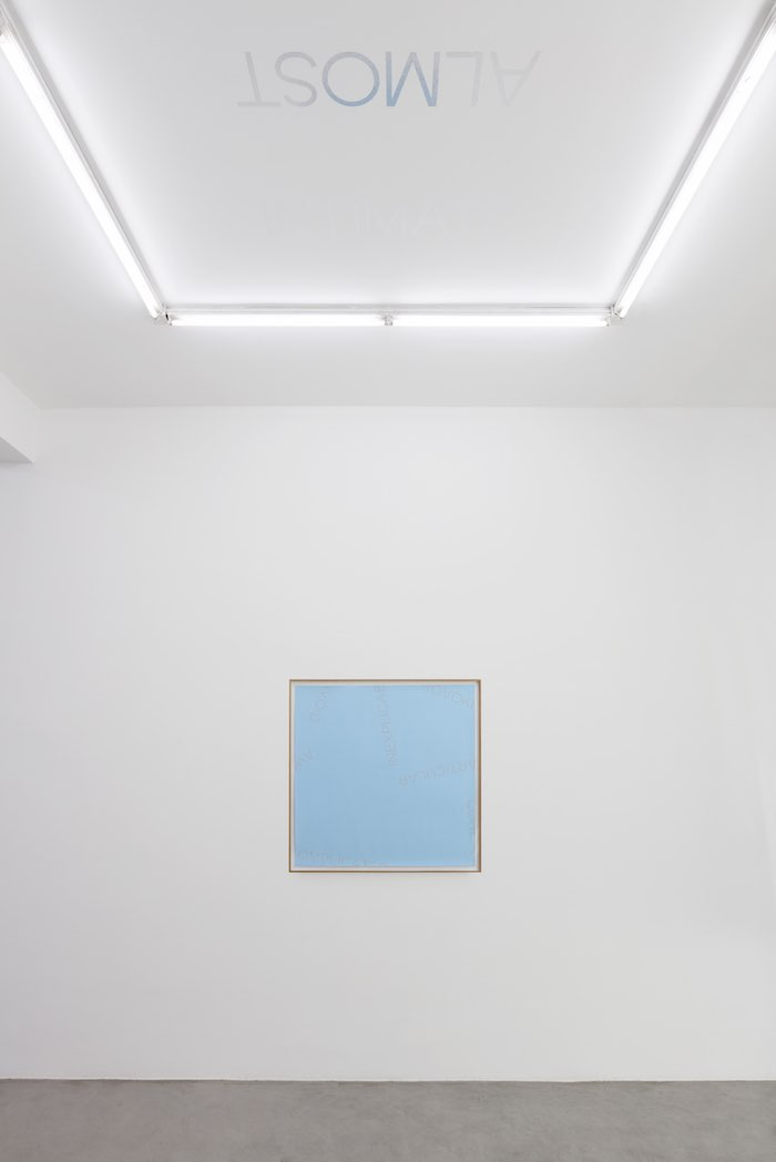 Robert Barry - Installation view at Francesca Minini, Milan Ph. Andrea Rossetti