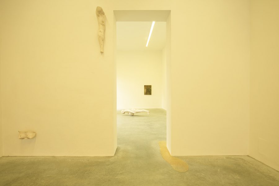 The White Goddess, Vanessa Billy, installation view at Galleria Gentili - Photo Jacopo Menzani