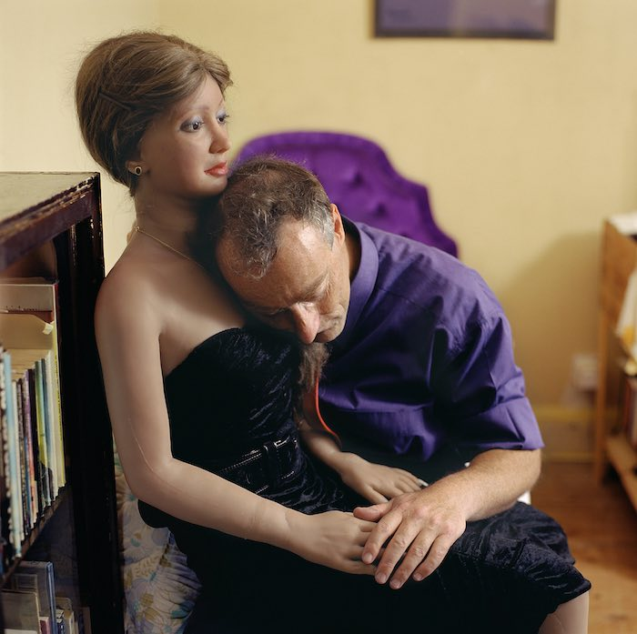 "Elena Dorfman Rebecca 1, 2001 da/from ""Still Lovers"" Chromogenic print mounted on aluminum 75.6 x 75.6 cm Courtesy of the artist"