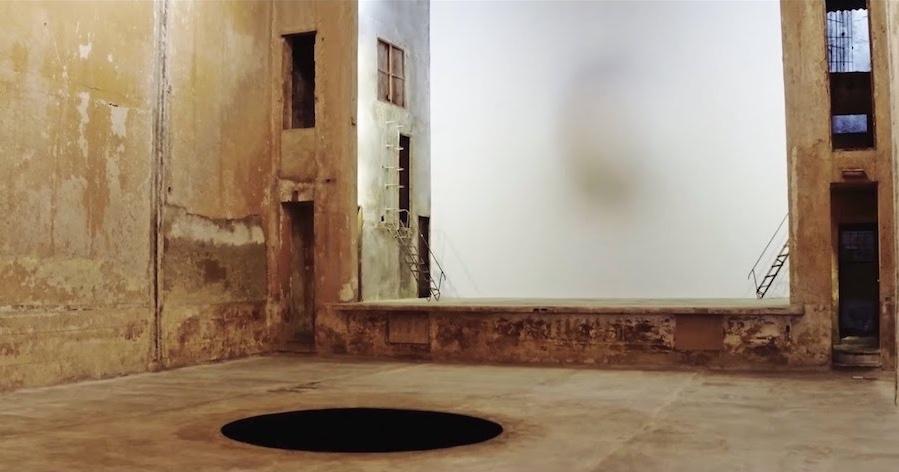 Anish Kapoor, Installation view alla galleria Arte Continua, L'Avana, 2017.  Foto di Paola Martinez Fiterre.  © Galleria  Anish Kapoor, Continua, San Gimignano, Pechino, Les Moulins e Habana